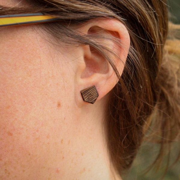clous d'oreilles wengé